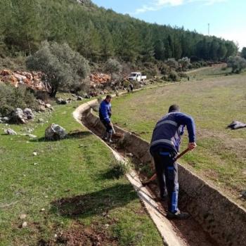 Büyükşehir'den Ula'da 99 Bin 780 metre Sulama Kanalı Temizliği