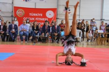 Geleceğin Fıtness Sporcuları Şampiyona Heyecanını Efes Selçuk'ta Yaşadı