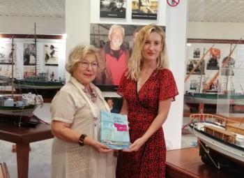 İmren Aykut Deniz Müzesi'ne Sadun Boro İmzalı Kitabını Bağışladı
