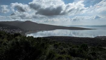 Karaburun'da vatandaşlardan RES tepkisi: Kuş türleri için 'yok oluş fermanı'