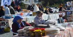 Mandalina festivali'ne akın ettiler: Alana sığmadılar