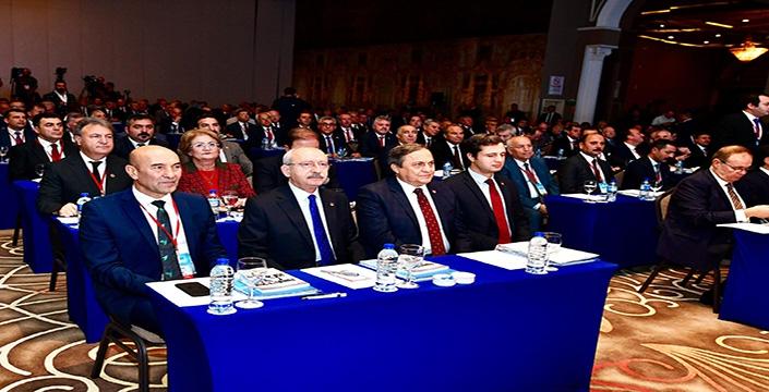 252 belediye İzmir'de buluştu:  Politikayı yerelden başlayarak düzeltmek zorundayız