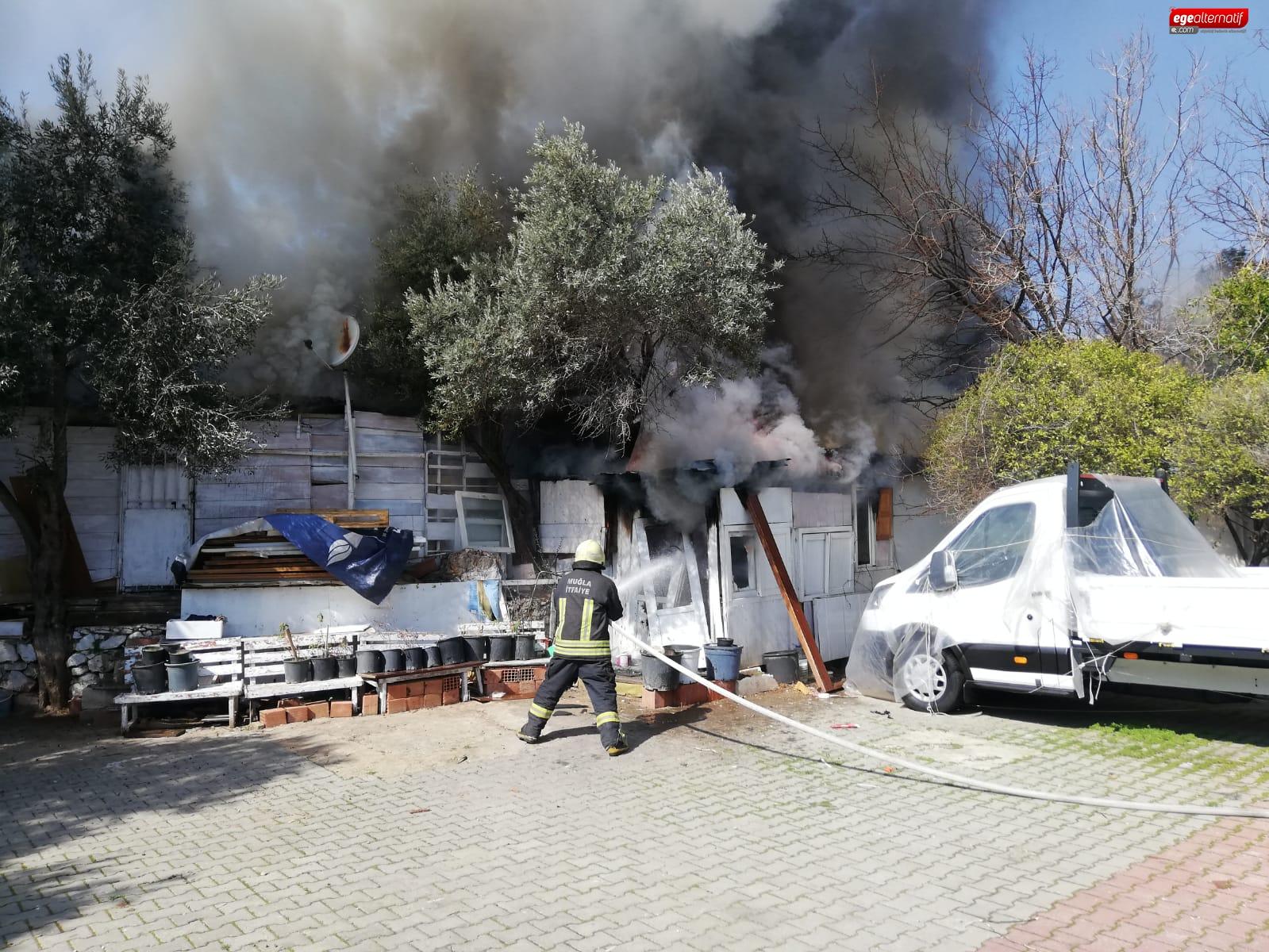 Belediye Yangından Zarar Gören Vatandaşı Yalnız Bırakmadı!