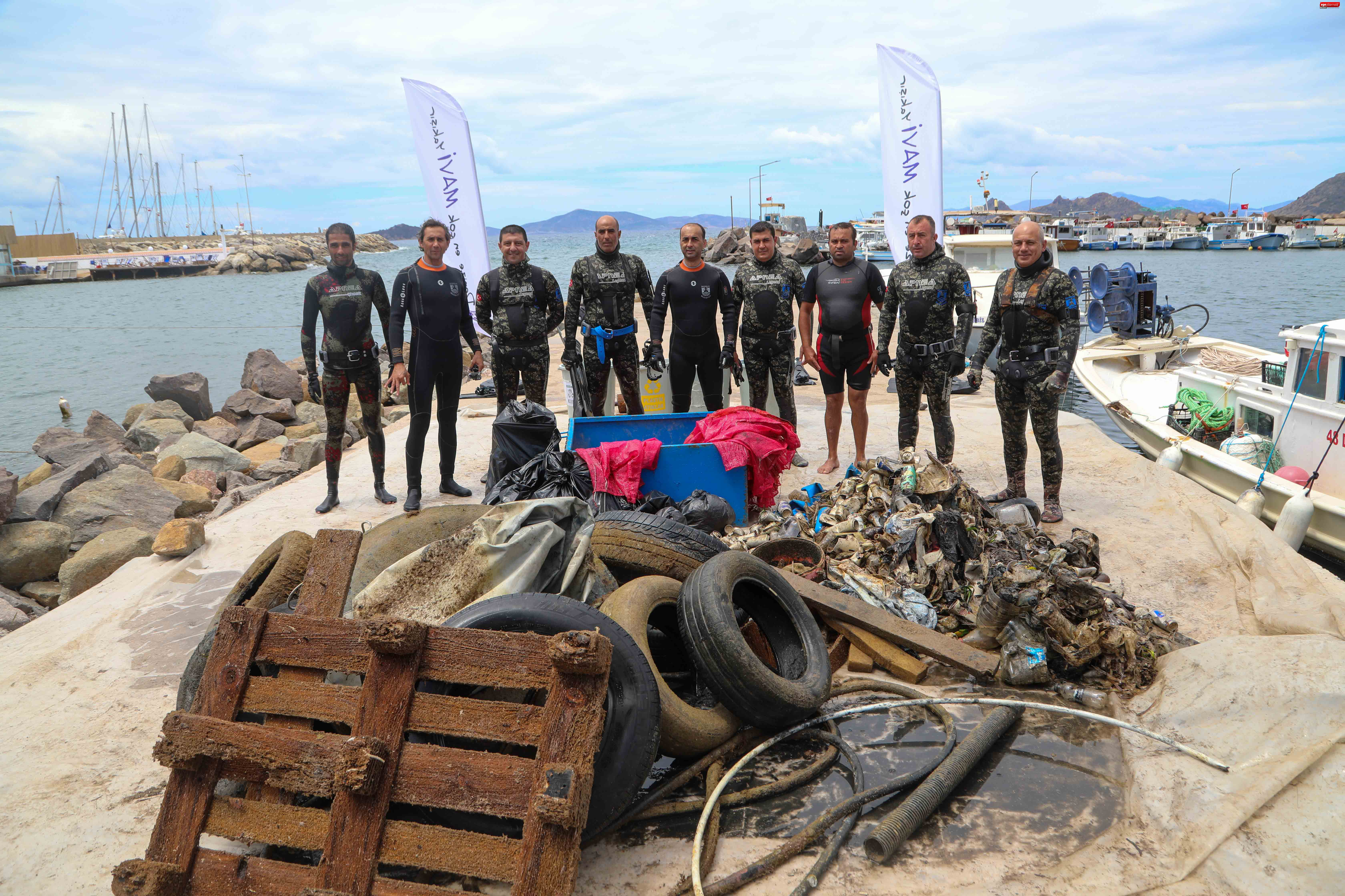 Bodrum'da dalgıçlar yüzlerce kilo atık çıkardı!