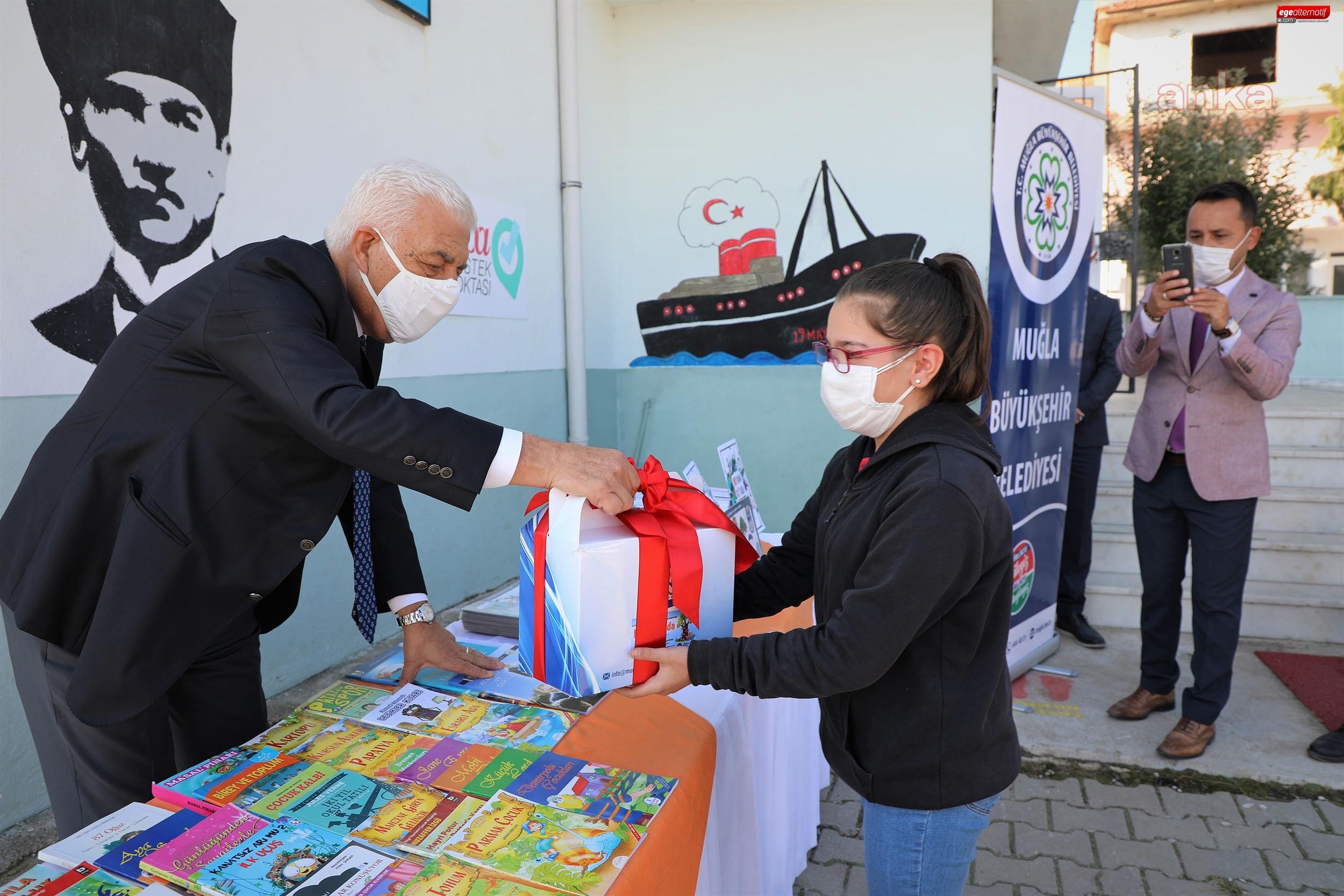 Büyükşehir'den köy okullarına kitap desteği