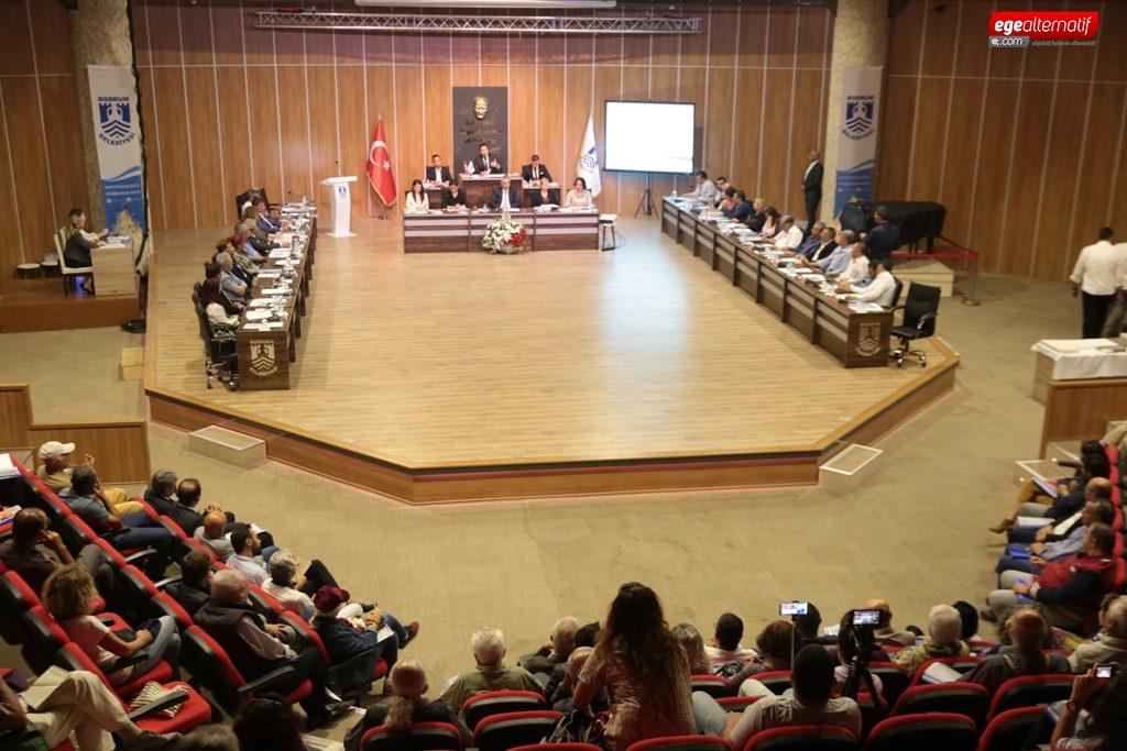 Doğal Gaz meselesinin bilinmeyenlerini anlatı ve uyardı:Belediye Meclisi, suç ortaklığına itiliyor!