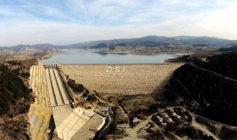 İzmir'de su tüketimi gün bazda 30 bin metreküp arttı