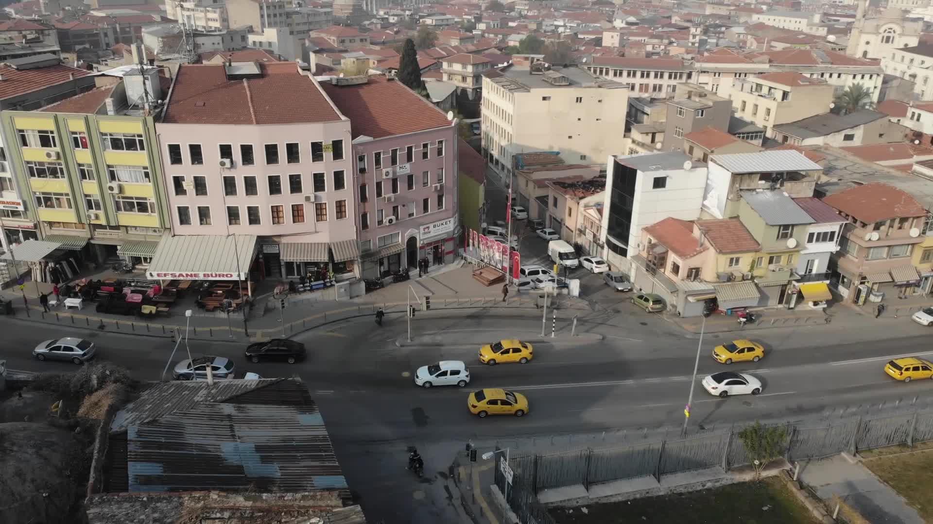 İzmir'in tarihi sokağına modern dokunu