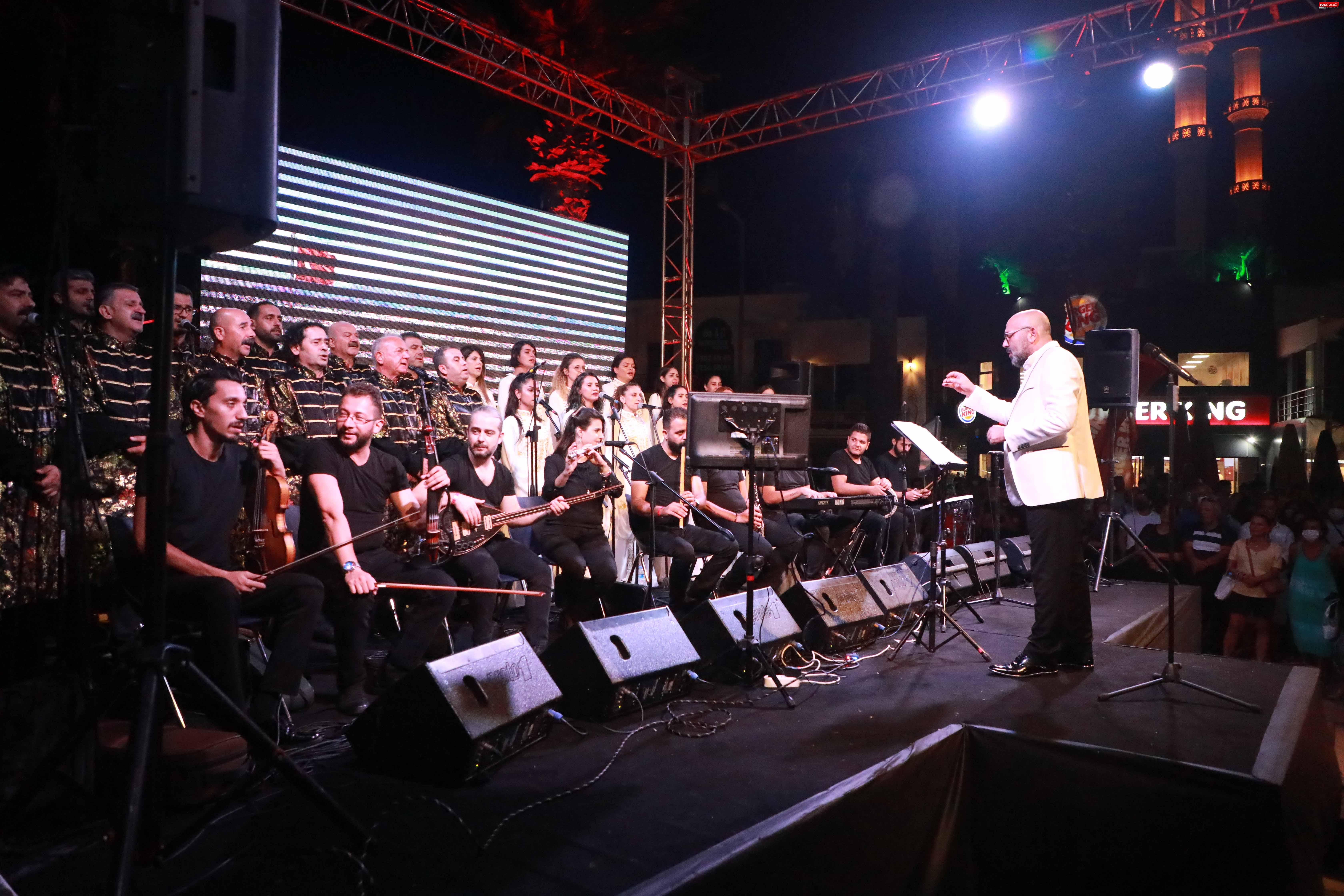 Medeniyetler Korosu Bodrum'da Barış İçin Söyledi