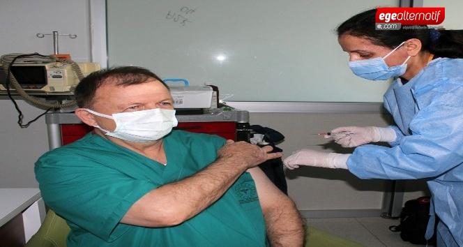 Muğla'da il aşı Sağlık Müdürü Gencer'e