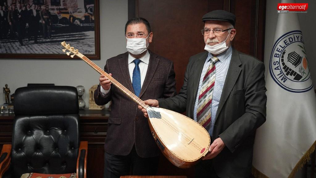 Sazını satılığa çıkaran sanatçıya Başkan Tokat'tan destek
