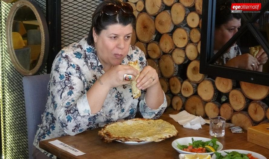 Uşak'ta yarışmayı kazanan kadın kaç lahmacun yedi?